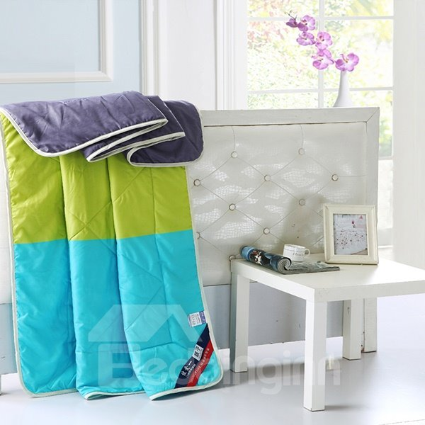 Fresh Style Contrast Color Design Polyester Quilt
