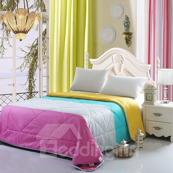 Silky Romantic Contrast Color Design Polyester Quilt