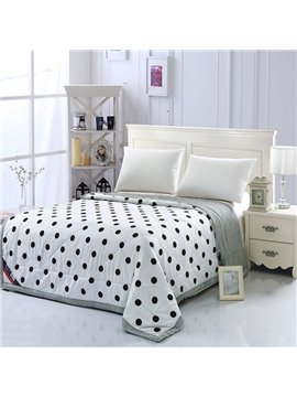 Fashion Black Polka Dot Print White Polyester Quilt