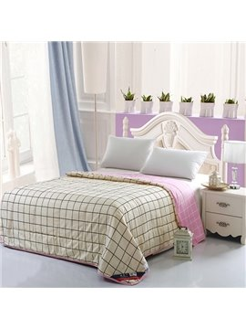 Ultra Soft Concise Plaid Print Polyester Quilt
