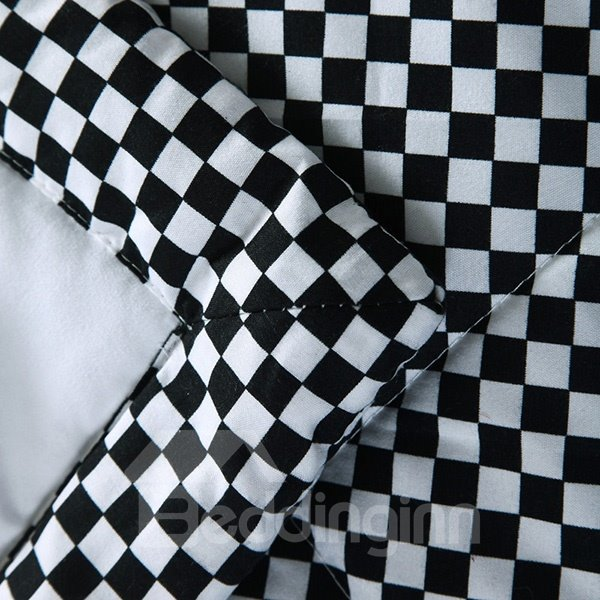 Super Soft Black and White Checker Print Polyester Quilt