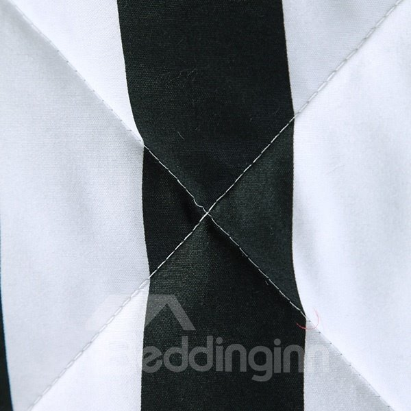 Classical Black and White Stripes Design Polyester Quilt