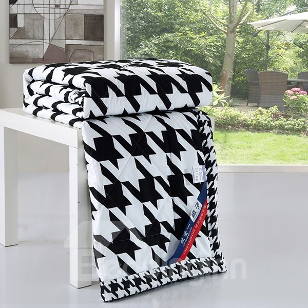 Concise Swallow Gird Reactive Printing Polyester Quilt