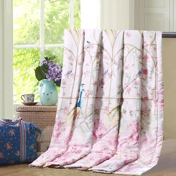 Pretty Stylish Peacock Print Pink Comfy Quilt