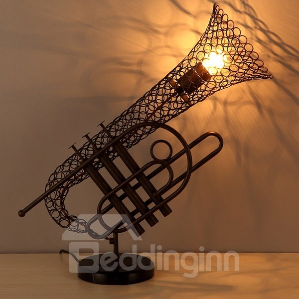 Classic Decorative Iron Saxophone Table Lamp