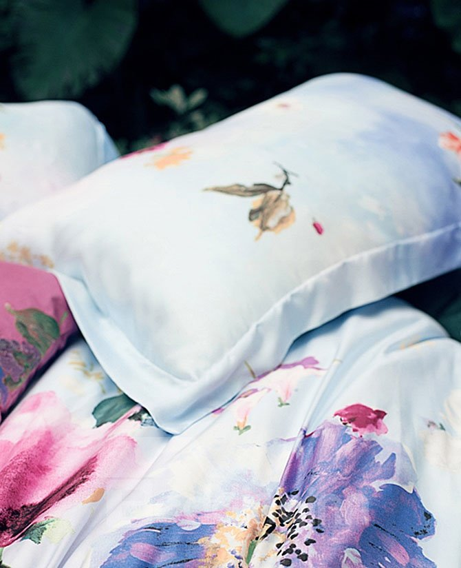 Fashion Design Silky Smooth Floral Print Tencel Fabric 4-Piece Bedding Sets