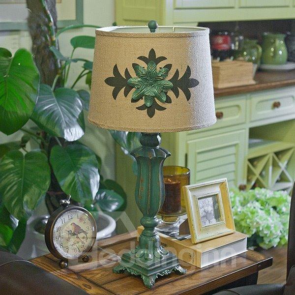 Dark Green Resin Leaf Pattern European Style Table Lamp
