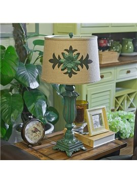 Dark Green Resin Leaf Pattern European Style Table Lamp