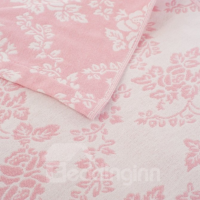 Stylish Pink Lovely Leaves Print Cotton Quilt