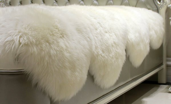 European Style Soft and Comfortable Sheepskin White Blanket