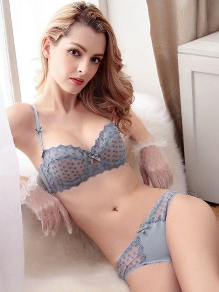 Floral Lace With Charming Spot Design Popular Bra Underwear Sets