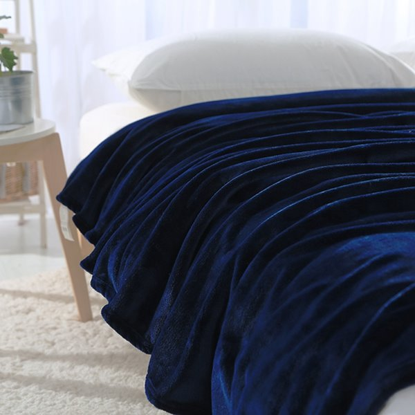 Concise Ultra Soft Solid Color Flannel Blanket