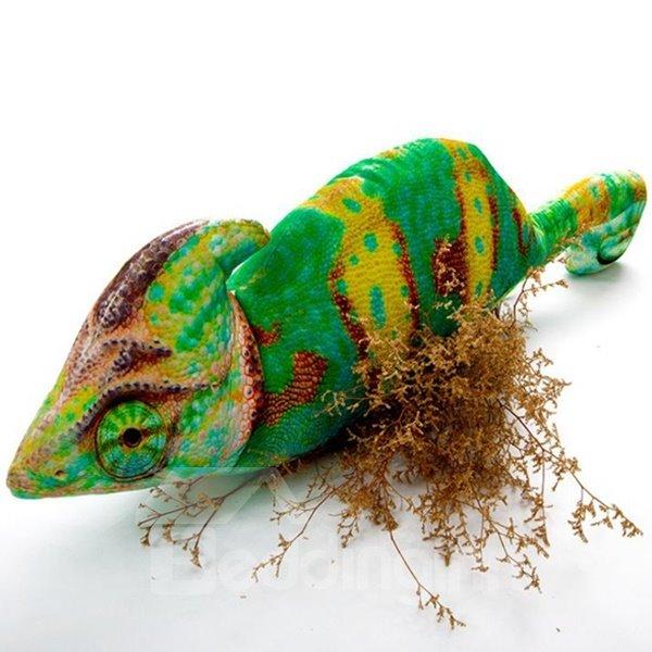 Amazing Colorful Chamilions: Amazing Lifelike Chameleon Shape Design Throw Pillow