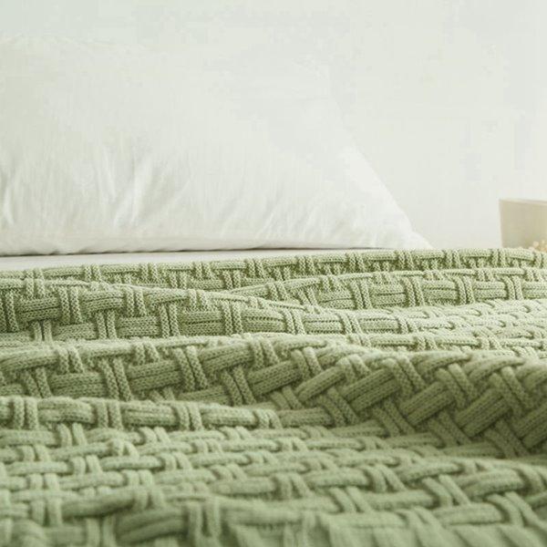 Unique Line Wave Soft Orlon Knitted Blanket