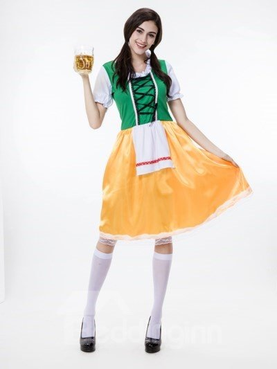 Lovely And Cute Maid Modeling Comfortable Cosplay Costumes