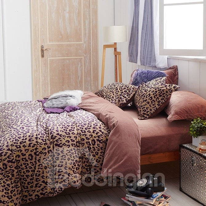 Sexy Leopard Print 4-Piece Cotton and Flannel Duvet Cover Sets