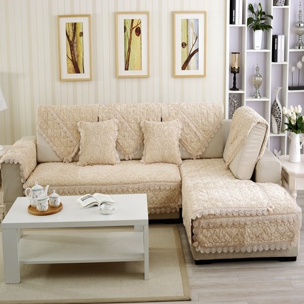 Luxury Beige Thicken Beautiful Roses Flannel Print Design Cushion Slip Resistant Sofa Covers