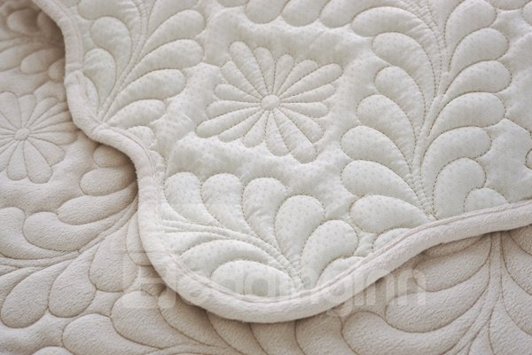 White Plush Quilting Phoenix-tail Print Four Seasons Slip Resistant Sofa Covers