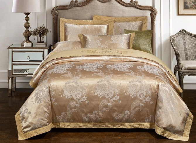 Splendid Light Apricot Floral 4-Piece Duvet Cover Sets