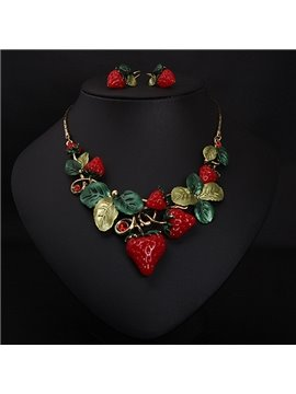 Creative Strawberry Shape Alloy Statement Necklace