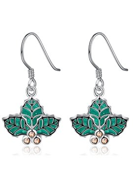 Elegant Green Leaf Design Pendant Earring