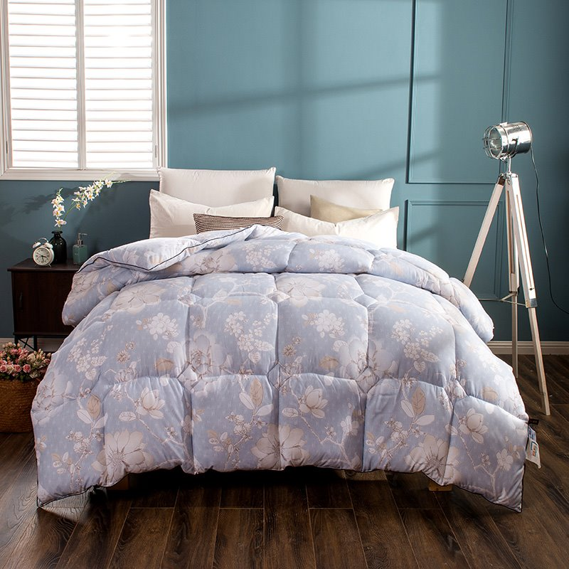 White Flower Blooming Pattern Pastoral Style Blue Feather Fabric Winter Quilt 12941965